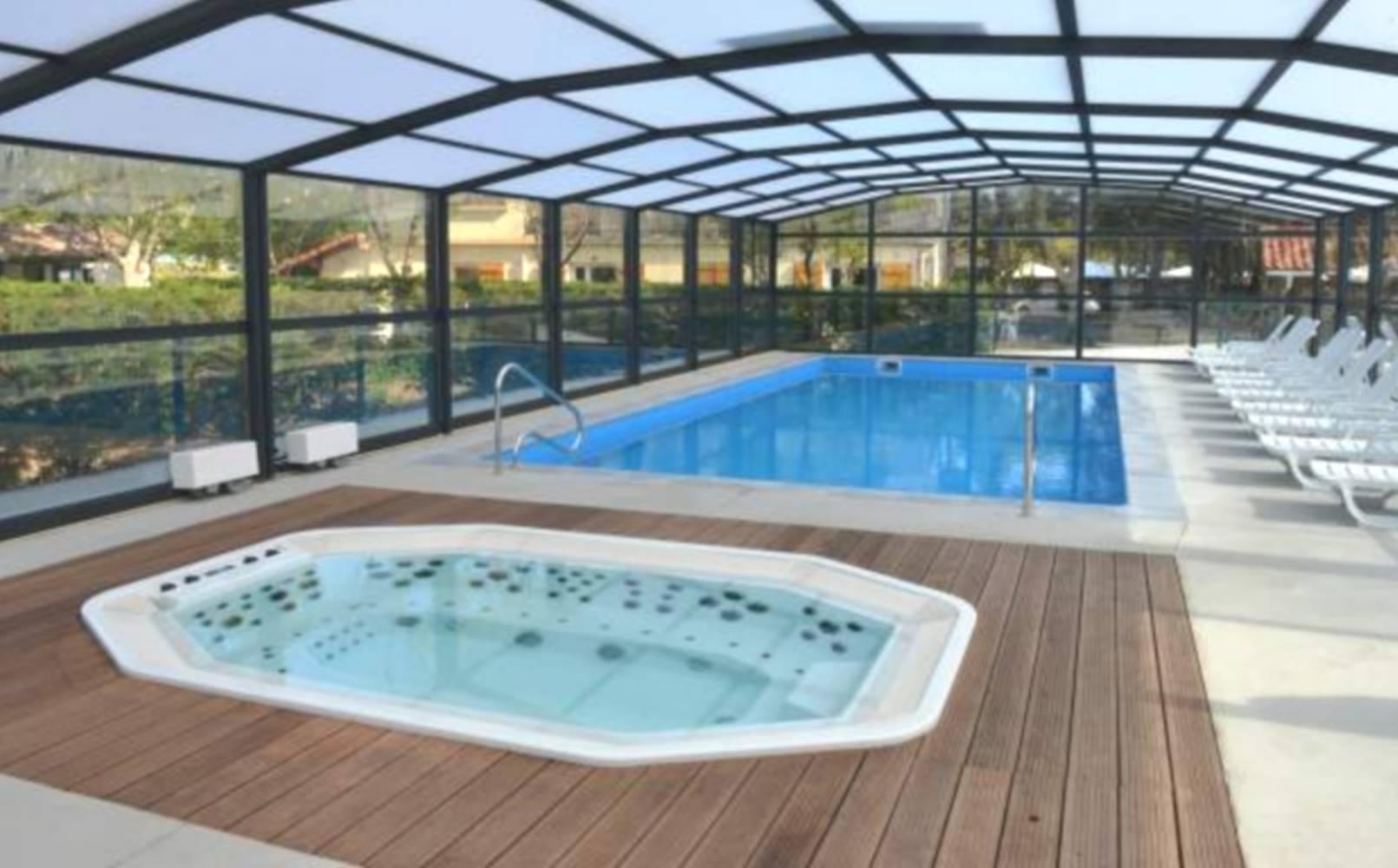 TY FOUKENN - location insolite grande piscine (location-morbihan-sud.com) ©