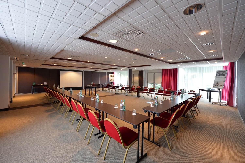 Salles de réunions modulables à la lumière du jour © Michel RENAC