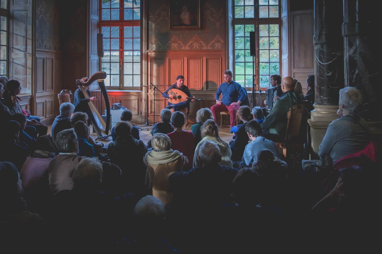 Concert de Fawaz Baker, Les Rencontres Musicales de Kerguéhennec, 2019 Photo : Gael Morvan ©