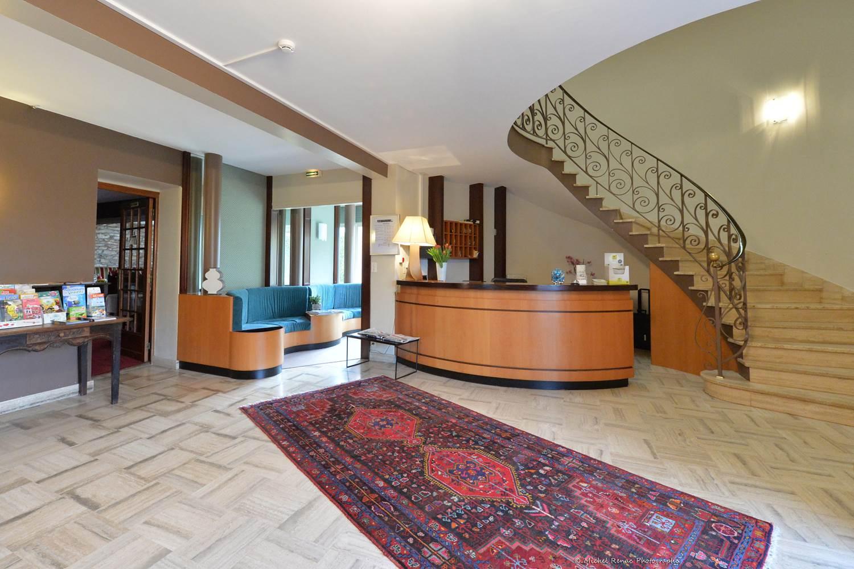 21-hotel-logis-letylann-saintave-halldereception ©