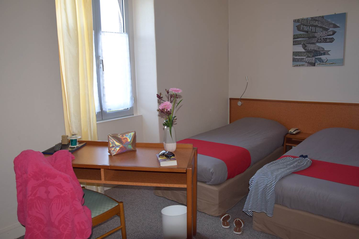 CHAMBRE LITS JUMEAUX 2 PERS BIS ©