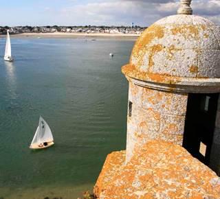 PORT LOUIS : l'escapade maritime. Les BOLS d'AIR© de BLB Tourisme