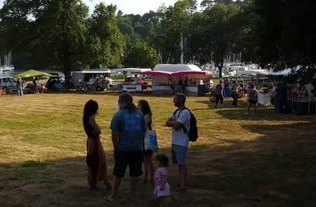Marché de producteurs et d'artisans locaux les jeudis de l'été au port de Foleux (Béganne)